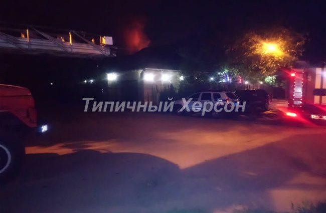 """""""За три дні до того отримав погрози"""": В Херсоні підпалили будинок депутата від БПП"""