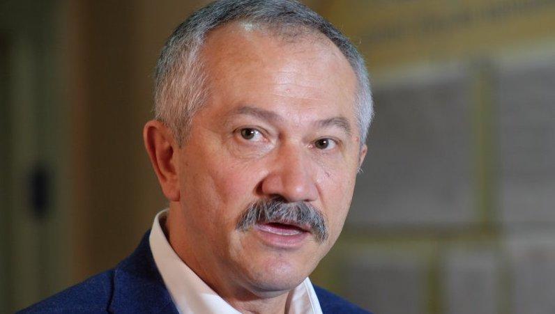 Прямо під Верховною Радою: Нардеп Віктор Пинзеник збив людину, подробиці інциденту
