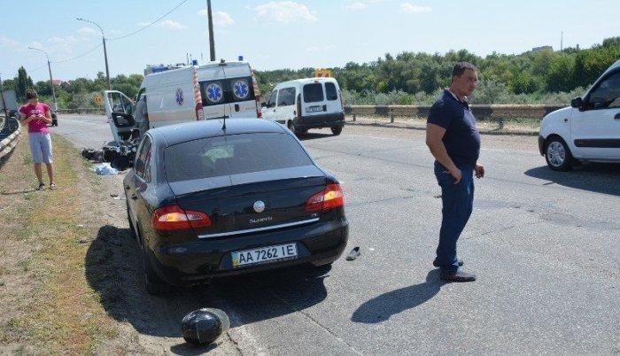 Шансів вижити просто не було: На Херсонщині чоловік з сином потрапили в моторошну ДТП