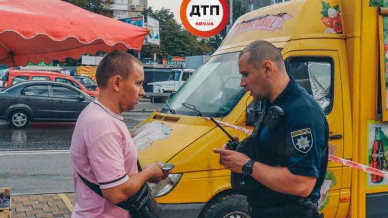 У Києві продавець шаурми  штрикнув ножем клієнта
