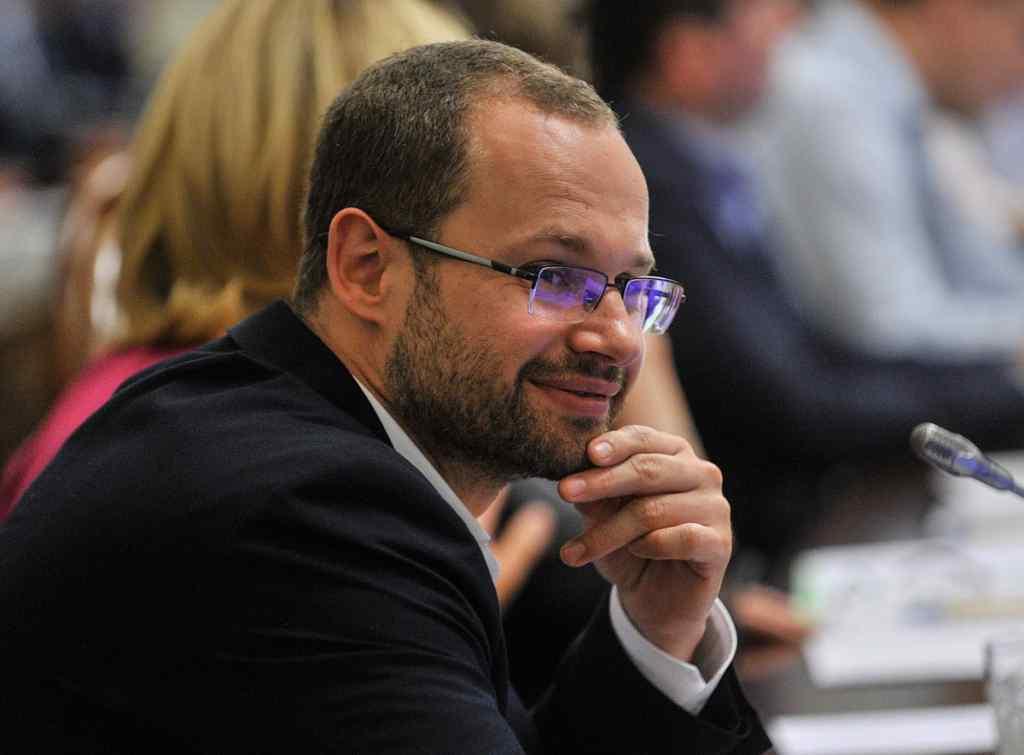 """""""Не будуть перетинатися журналісти й депутати – не буде конфліктів"""": Пинзеник зробив гучну заяву, щодо доступу ЗМІ до кулуарів Ради"""