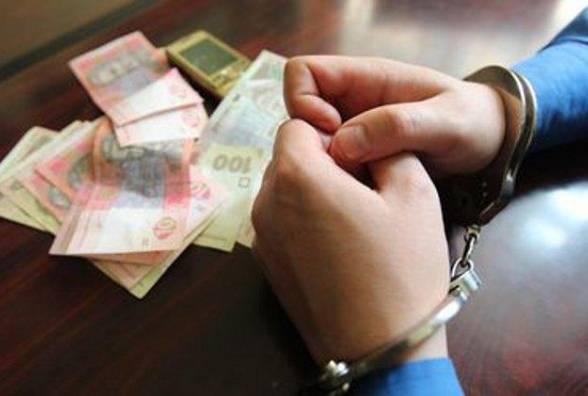 Хабарництво на Чернігівщині: СБУ викрила слідчого поліції