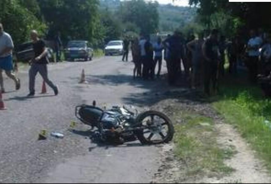 """""""Від отриманих травм помер на місці"""": В ДТП розбився мотоцикліст"""