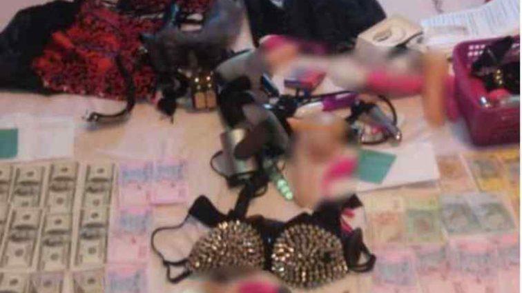 До роботи залучали жінок і неповнолітніх дівчат: у Дніпрі накрили мережу порностудій