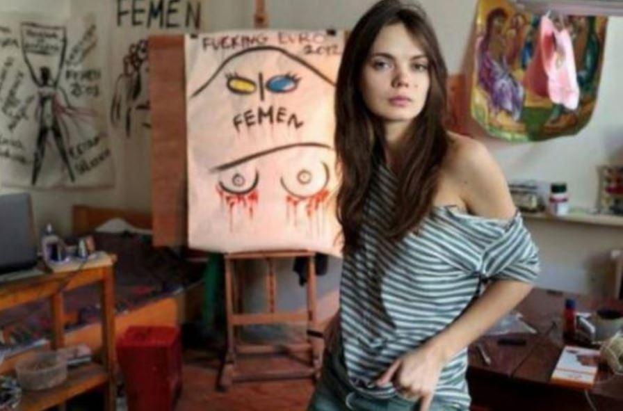 """""""Вона повісилась у шафі після сварки зі своїм хлопцем"""": Подруга розповіла деталі самогубства засновниці Femen"""