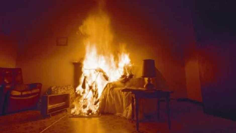 Намагалися спалити живцем всю сім'ю: невідомі кинули «Коктейль Молотова» прямо у ліжко подружжя