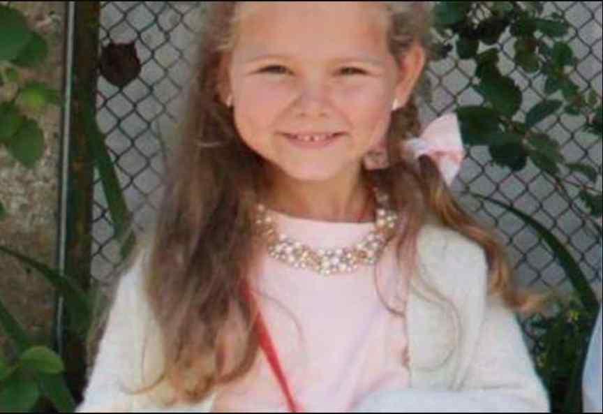 У Мережі благають помолитися за 5-річну Вікусю: дівчинка, яка вижила у смертельній ДТП досі в комі