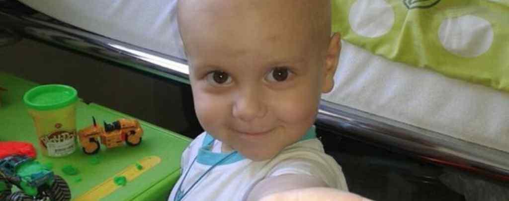 """""""Пухлина виявилася високозлоякісною"""": Допоможіть врятувати життя маленького Ярославчика"""