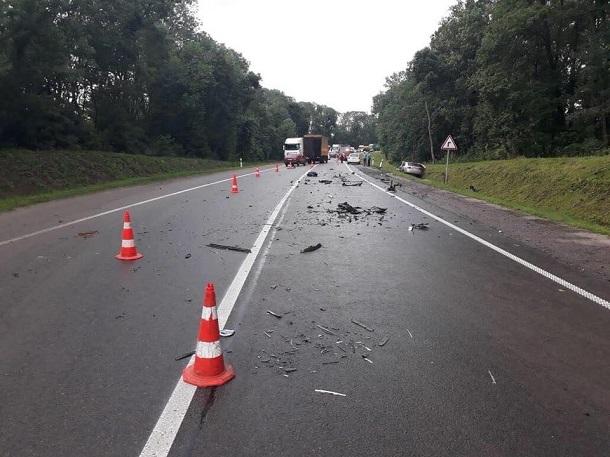 Жахлива ДТП в якій розбився нардеп: з'явилося відео з місця аварії