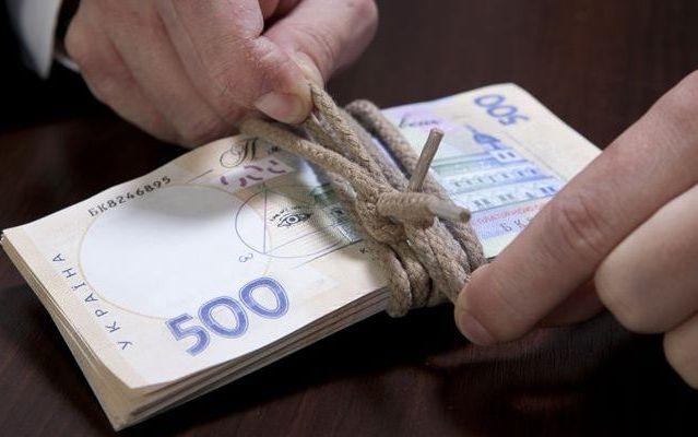 Податки за кредити: за що і як можуть оштрафувати українців