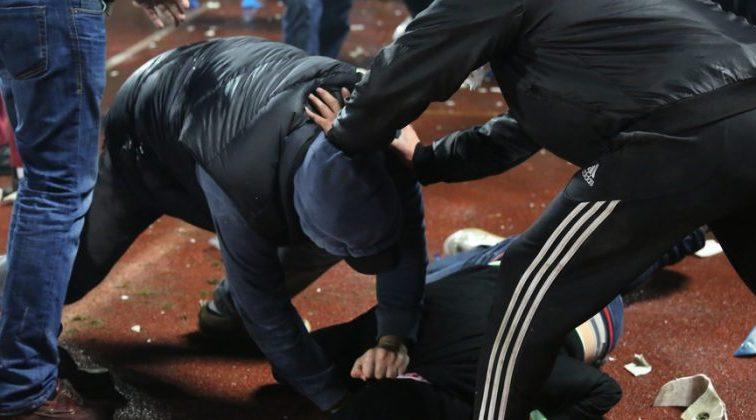 Жорстока бійка: На Львівщині рецедивіст хотів убити працівника в'язниці