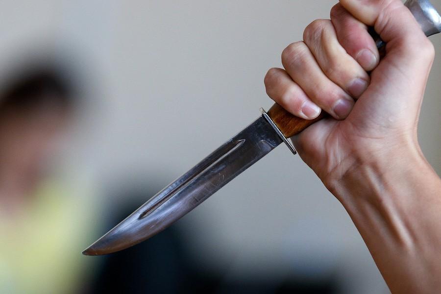 """""""Вбивали його люто, завдаючи десятки ударів"""": Три сестри жорстоко розправились над батьком"""