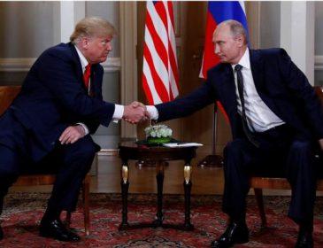 """""""Трамп підморгнув Путіну"""": В мережі показали, як розпочалась зустріч двох президентів (Відео)"""