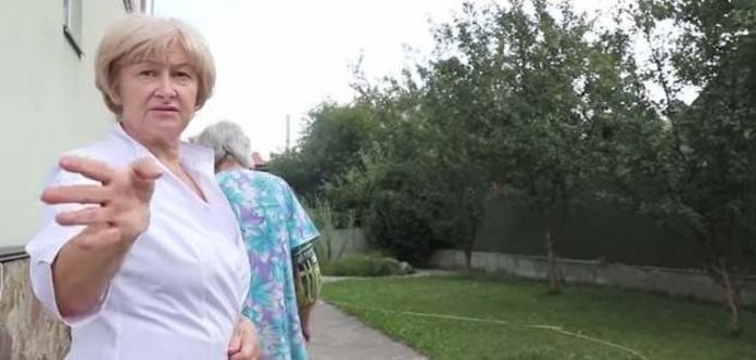 """""""Страшенний сморід на всю околицю і повна антисанітарія"""":Під Києвом викрили підпільний будинок пристарілих"""