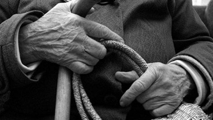 """""""Зґвалтував, пограбував і підпалив"""": На Київщині психічно хворий чоловік жорстоко познущався над пенсіонеркою"""