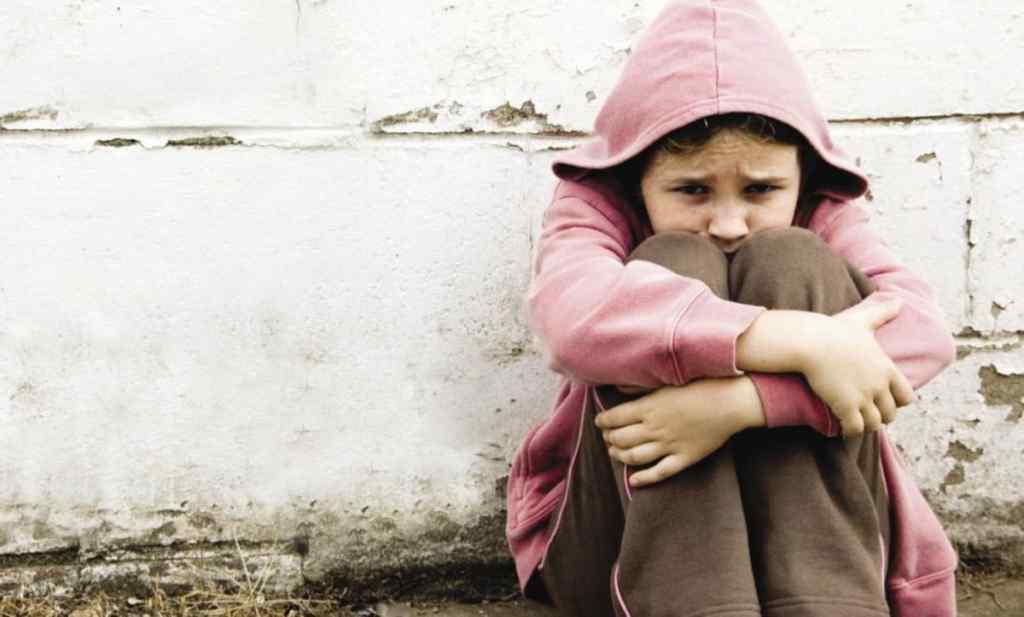 Терся і ліз між ноги: У Дніпрі чоловік поглумився над 12-річною племінницею