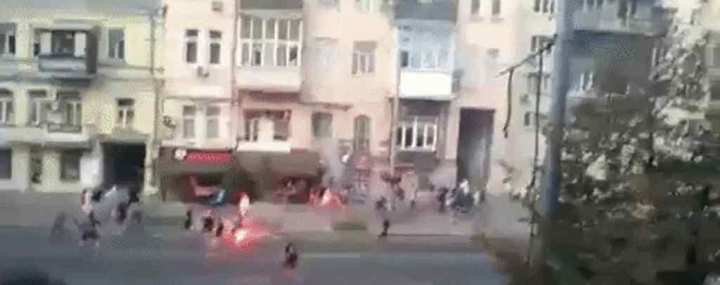 Крики і гучні вибухи: з'явилися подробиці масової бійки футбольних фанатів у Києві