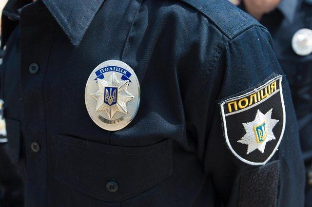 «Впала посеред вулиці»: у Львові патрульний врятував жінку