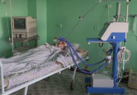 Зламані 5 ребер і забиті легені: друзі жорстоко пожартували над подругою
