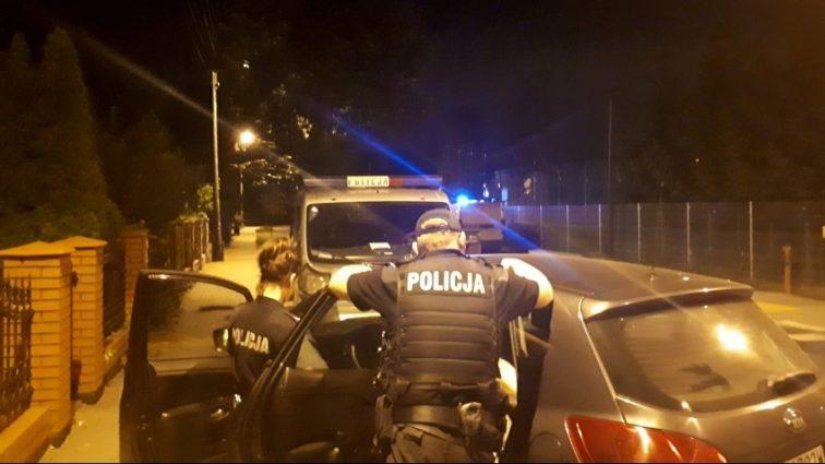 У Польщі троє озброєних чоловіків напали на молоду пару з України