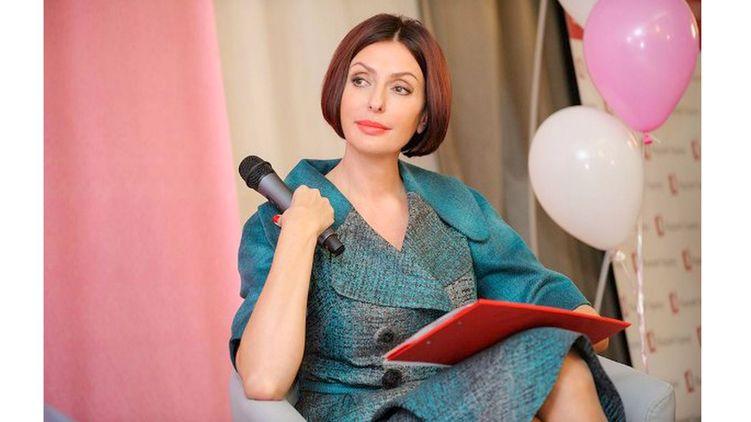 Дружина Яценюка влаштувалась на роботу. Дізнайтесь, ким працює дружина екс-прем'єр-міністра