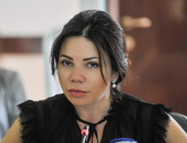 Скандал набирає обертів: Сюмар відмовилася показати будинок матері під Києвом