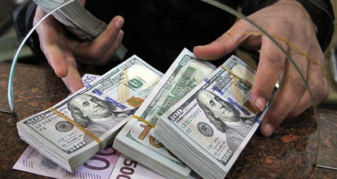 """""""Долар зробив різкий розворот"""": Нацбанк визначився з курсами валют на 21 серпня"""