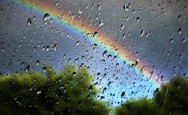 """""""Варто приготувати парасольки"""": Синоптики розповіли, яку погоду слід очікувати українцям у неділю 12 серпня"""