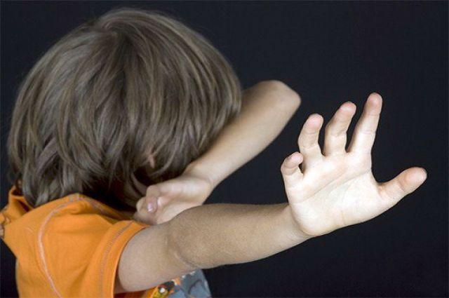 Замість того щоб лікувати, регулярно гвалтував: Психотерапевт жорстоко поглумився над 10-річним хлопчиком