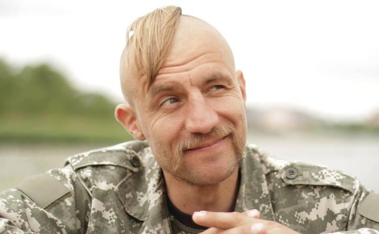 Від фотосесії голяка до народного депутата: Сьогодні символу «Майдану», козаку Гаврилюку виповнилось 39