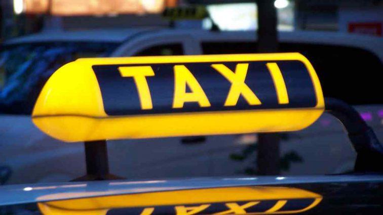 Накинувся і почав лупцювати по голові: У Києві таксист жорстоко побив пасажирку