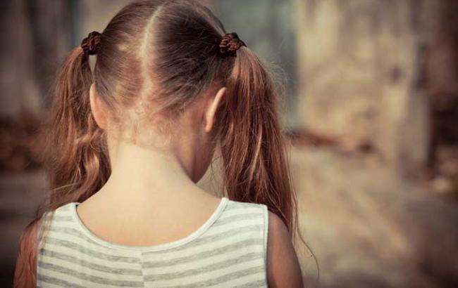"""""""Заманив в кукурудзи і намагався зґвалтувати"""": В Києві поки мати була в мазанині її знайомий жорстоко поглумився над 8-річною дівчинкою"""