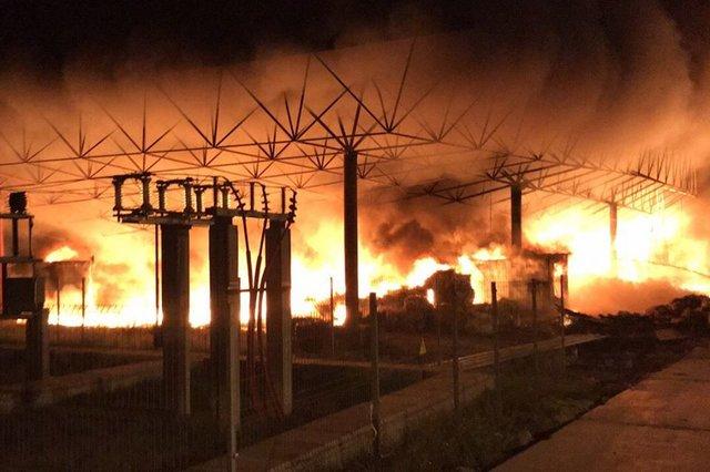 На підприємстві спалахнула масштабна пожежа: з'явилися перші фото та подробиці