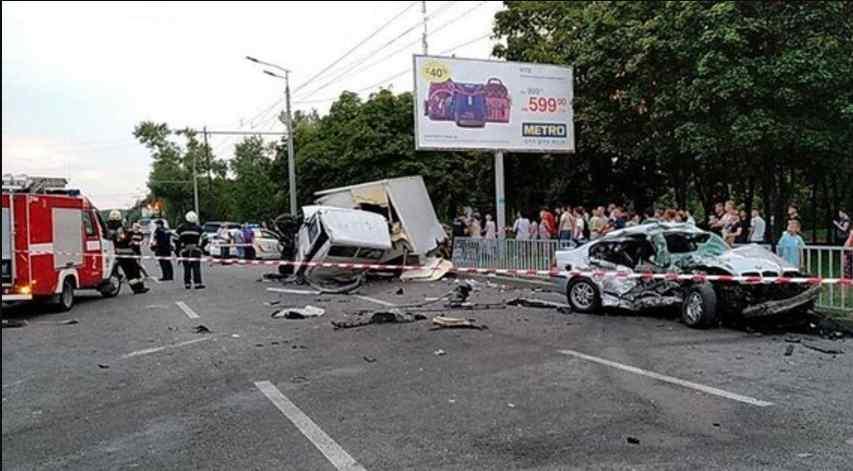Жахлива ДТП: водій вантажівки не впорався з керуванням, двоє загиблих