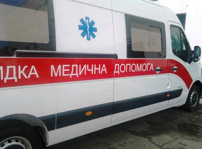 Смертельна ДТП: вантажівка врізалася у поїзд, водій загинув на місці