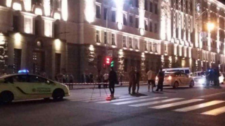 """""""Розстріляв в упор"""": Свідки розповіли подробиці вбивства поліцейського в Харкові"""