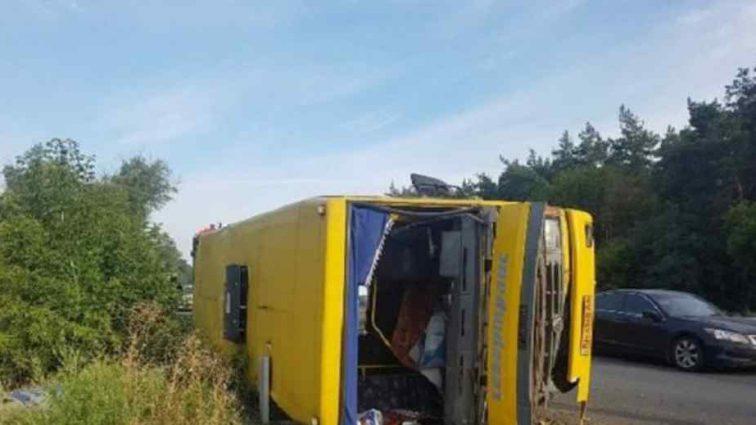 Страшна ДТП в Дніпропетровській області: 13 людей постраждали