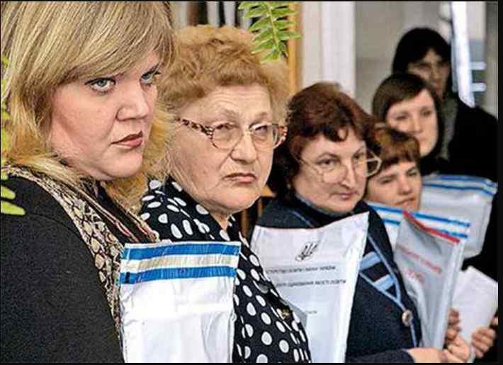 Чекають кардинальні зміни! Який сюрприз приготували для вчителів-пенсіонерів  в Україні