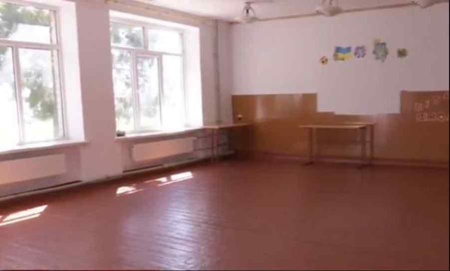 Без підручників у порожні класи: нова українська школа на грані зриву