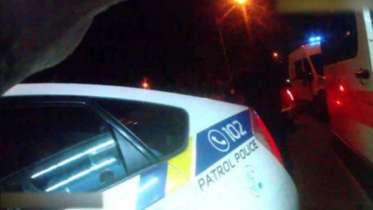 Дівчина збила двох пішоходів і врізалася в патрульних: опубліковане відео
