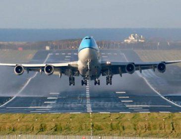 В аеропорту популярного курорту екстрено посадили літак. Перші подробиці