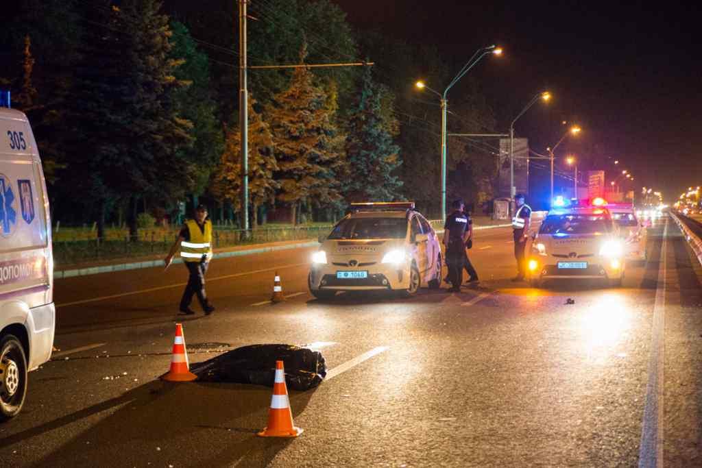 Переїхали двічі: Моторошна ДТП в Києві, через необережність трагічно загинув пішохід