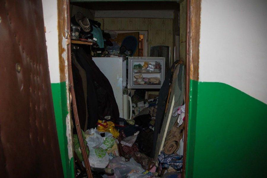 Пролежав близько двох тижнів: у закинутій квартирі виявили тіло чоловіка