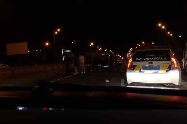 Моторошна ДТП у Києві: Два автомобіля на шаленій швидкості врізались один в одного, є жертви