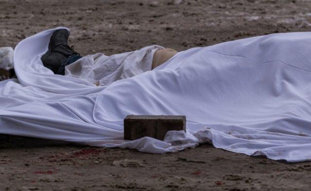 На очах в маленької донечки: Через помилку лікарів молодий чоловік помер прямо посеред вулиці