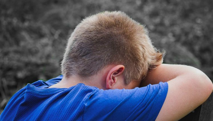 Коли мати дізналась, то впала в істерику: Батько роками гвалтував власного сина