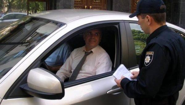 Штрафи по-новому: як каратимуть водіїв за непристебнутих пасажирів