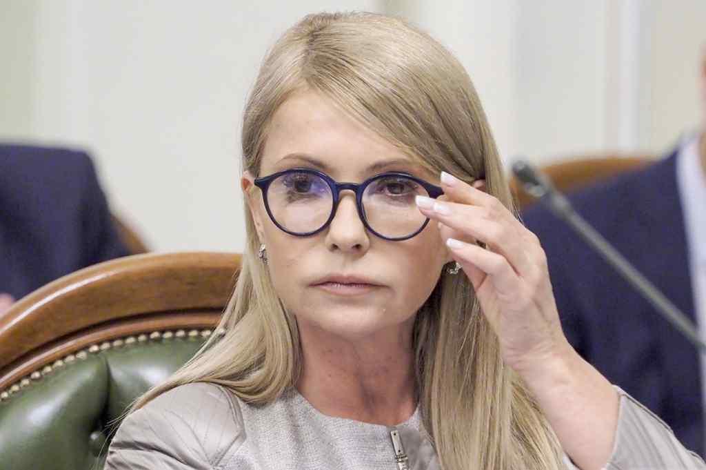 Сидіти на двох стільцях неможливо: експерт зробив скандальну заяву про Тимошенко