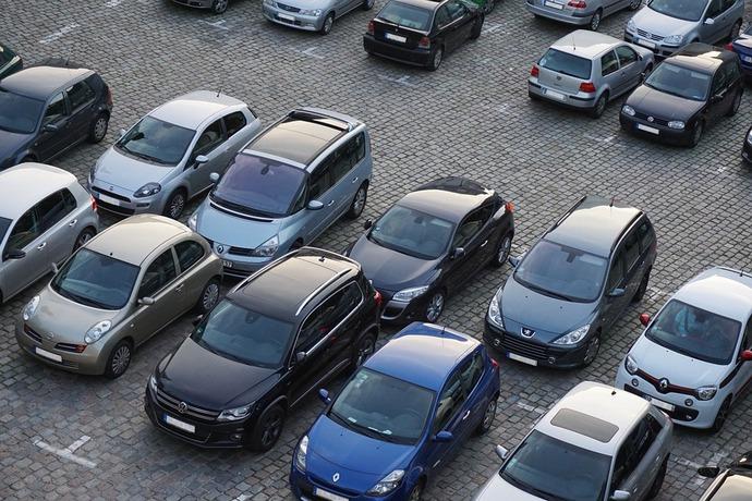 Українці продаватимуть машини по-новому: що змінилося та потрібно знати