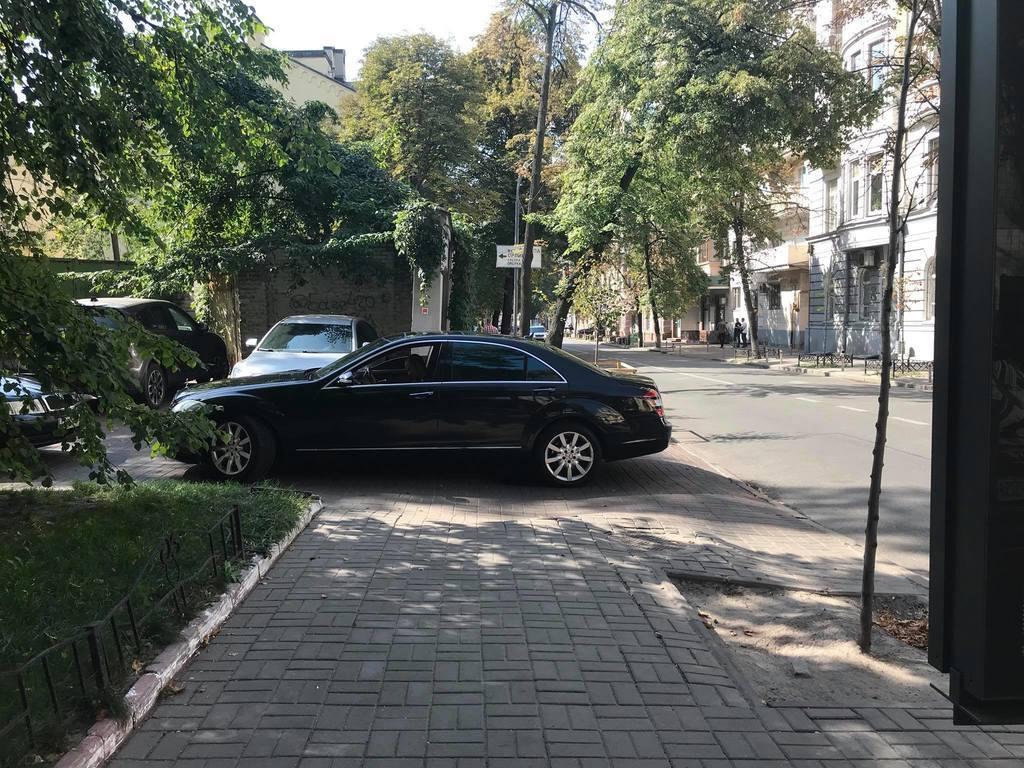 У Києві відома екс-нардеп потрапила в гучний скандал
